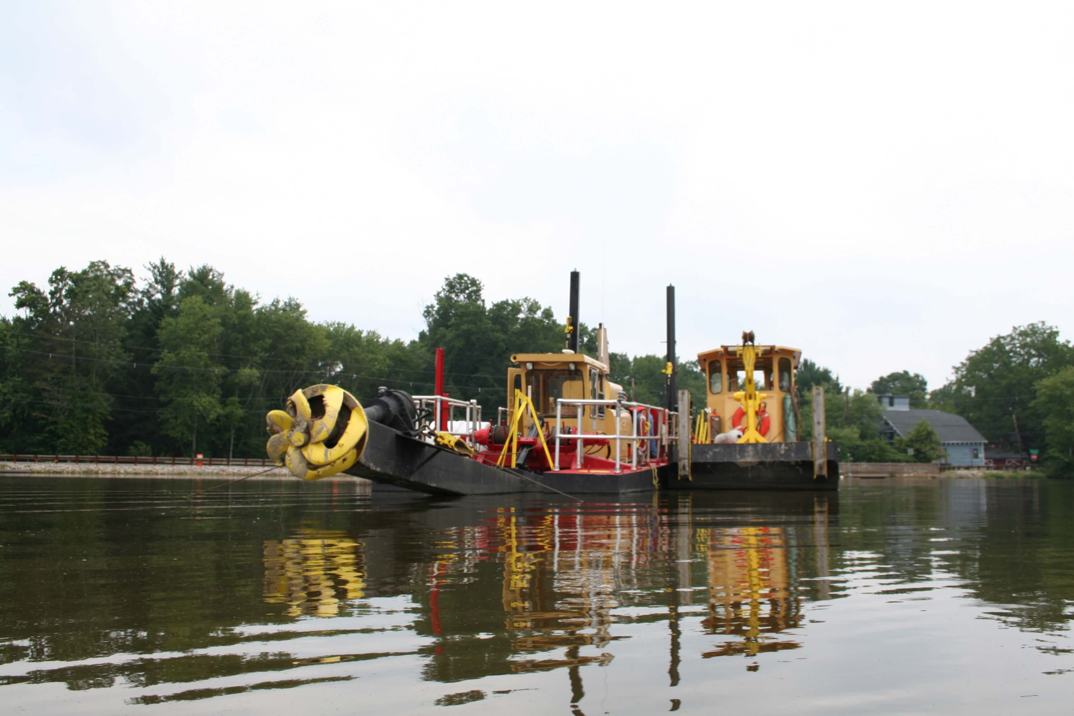 Amos Fly Ash Pond Closure - Mobile Dredging Video Pipe